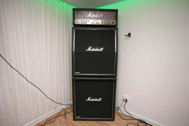 Marshall MF350 med Marshall MF280 A kabinett och Marshall MF280 B