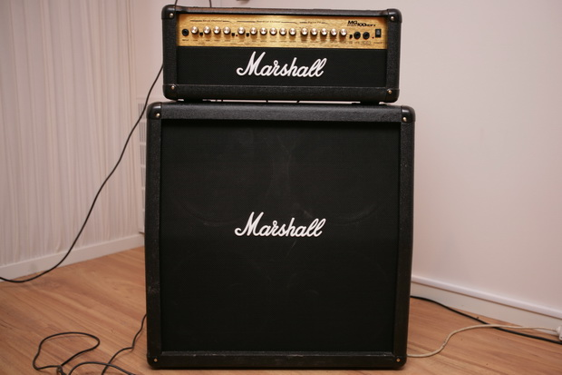 Marshall MG100 HDFX med Marshall MG412A kabinett