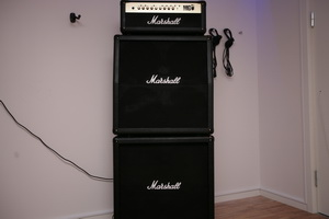 Marshall MG100HFX med Marshall MG100HFX med Marshall MG412A låda och Marshall MG412B låda